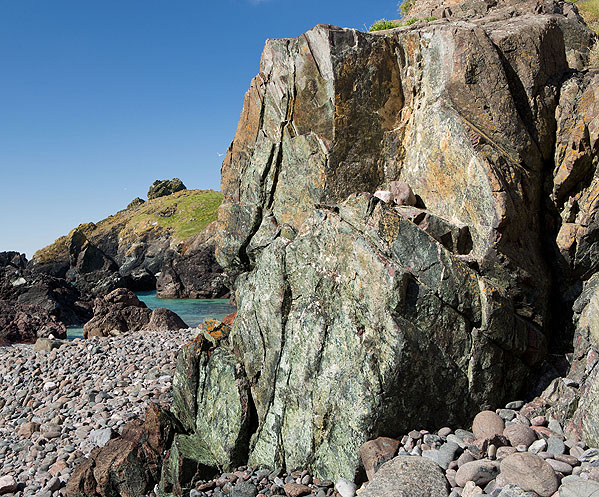 Rock - Serpentinite - Kynance Cove - 2 (S17)