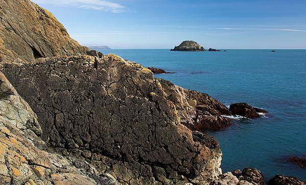 Nare Head - Pillow Lava - Gull Rock