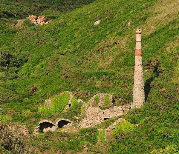 Kenidjack Arsenic Works - (Boswedden Mine)
