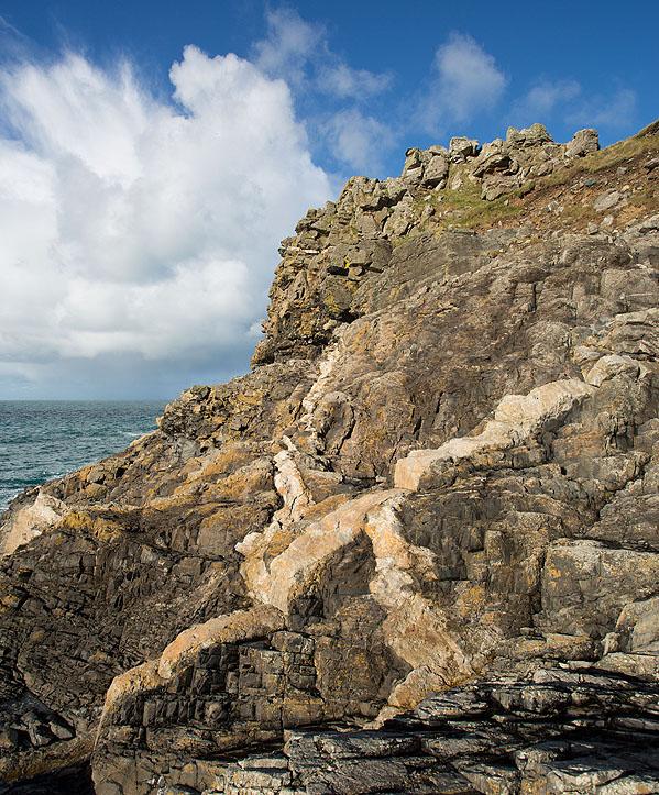 Granite Dykes - Porthmeor Cove (S11)