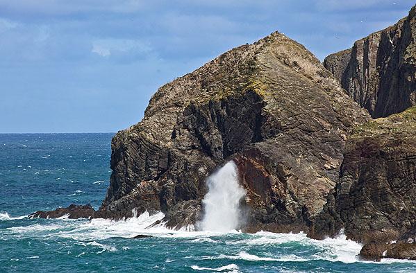Blowhole - Middle Merope Island