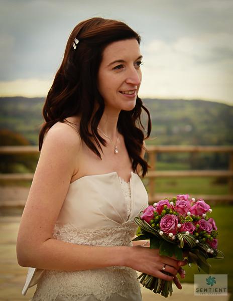 Peak Disitrict Bride & Bouquet