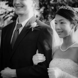 Groom & Bride Pose
