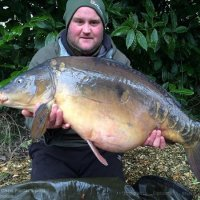 Chris with a NW mirror 28lb+