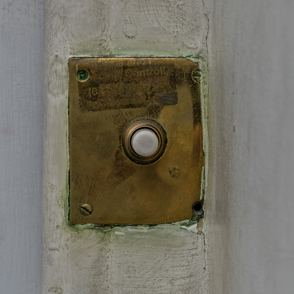 Doorbells of London--37