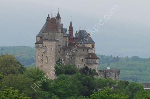 Chateau de Menthon.....