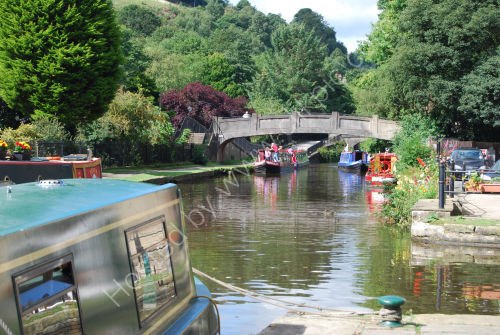 The Rochdale Canal in sunshine