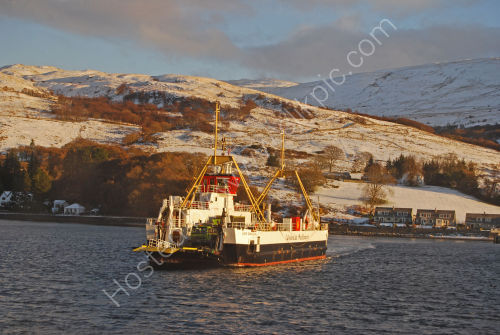 Colintraive ferry arriving
