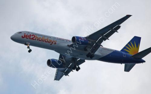 Incoming Jet2 flight