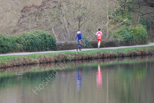 Keeping fit onlongside the canal