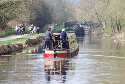 Setting off towards the lock ......