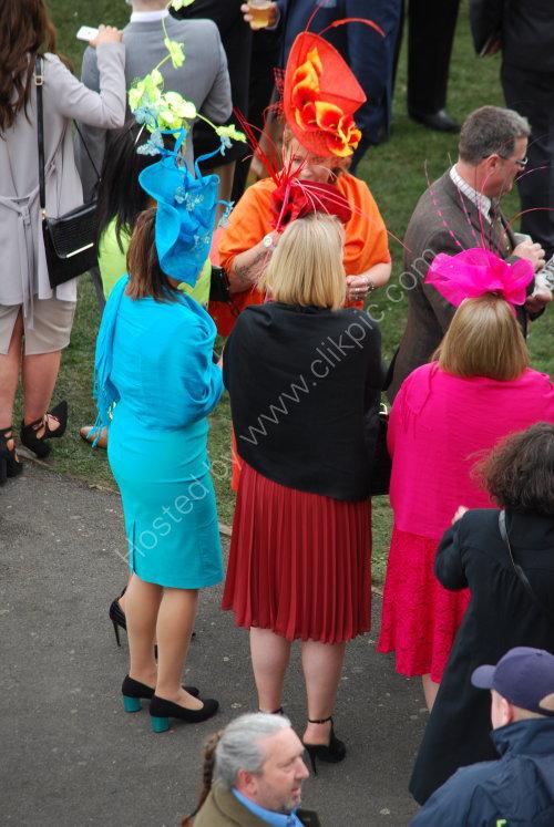 Colourful racegoers !