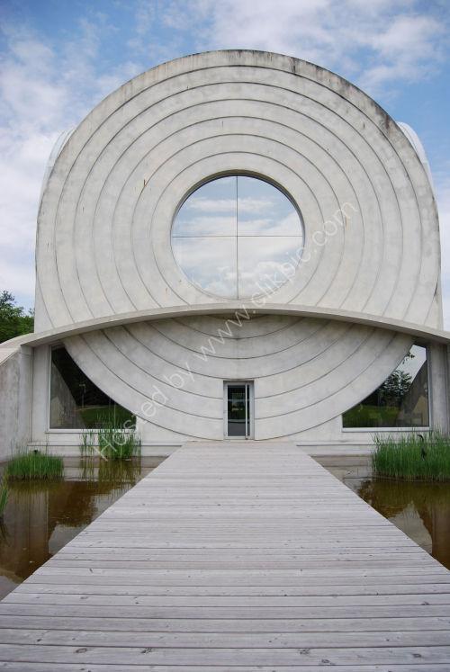 Building-sculpture-exhibition.....