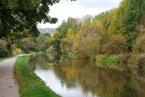 Autumnal reflections on the canal