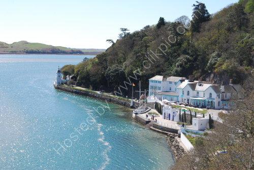 Hotel on the Estuary ......
