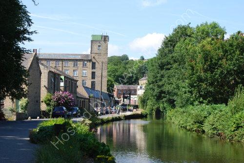 The Huddersfield Narrow canal at Slaithwaite