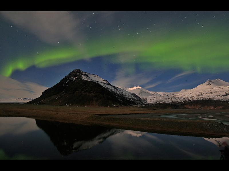 01 Top Northern Lights by Peter Jones