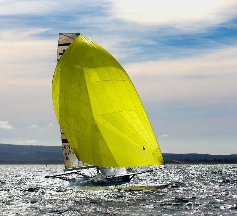 18' skiff racing