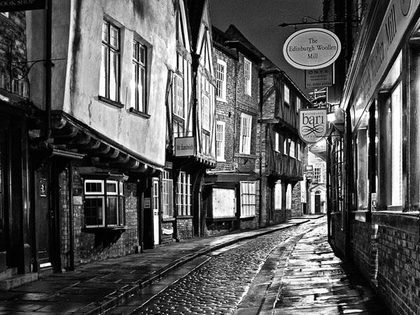 A Damp Evening by Roy Millett AFIAP BPE4* APAGB