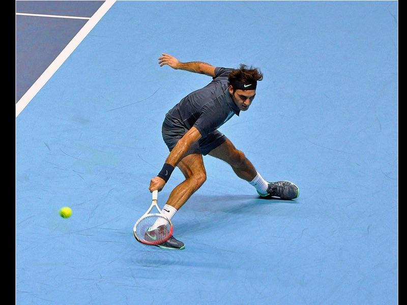 Backhand Return by Roger Federer by Ken Agutter Com Col