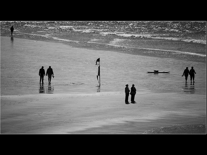 Com Beach Strollers by Ken Agutter