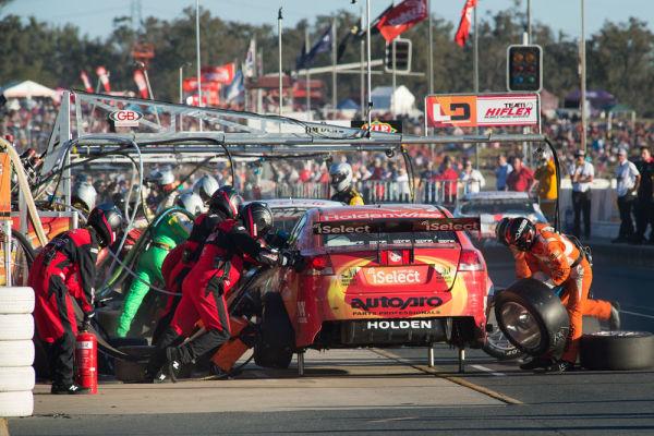 Pit Lane Queensland Raceway
