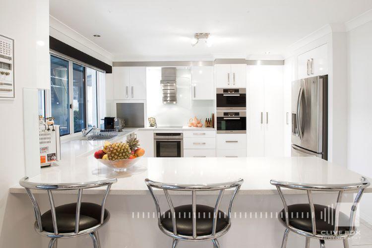 CF4372 Kitchen2 web