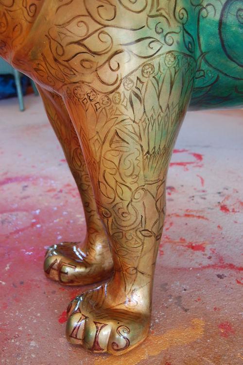 detail of Pride Of Bath's legs