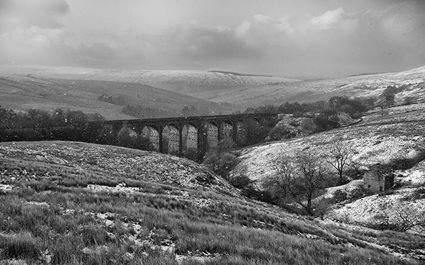 Arten Gill Viaduct in the Snow
