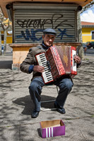 Accordeon player in Leon, Spain