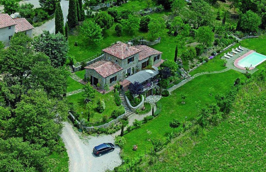 aerial view of Giusi and Darios