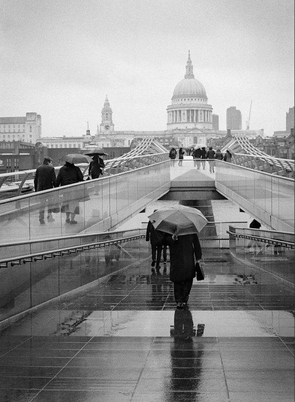 Grey + rain = Grain
