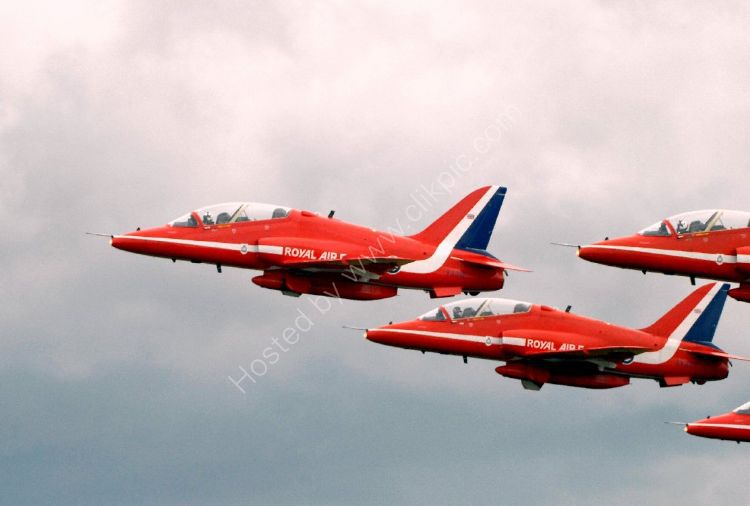 Aircraft - The Red Arrows (Hawk TI)