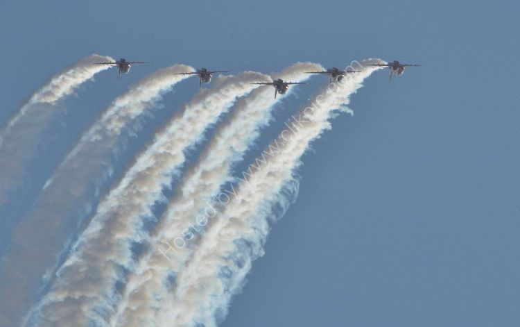 Aircraft - The Red Arrows (Hawk TI) - At the top of the loop