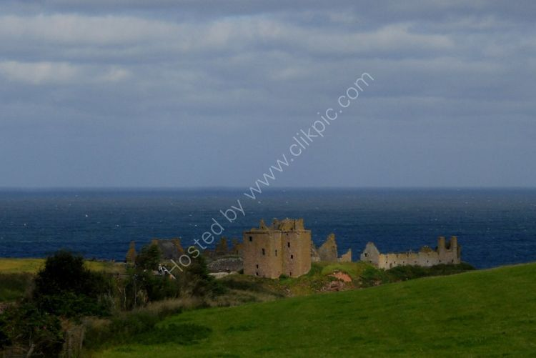 Castle - Dunnottar Castle (with Clouds)