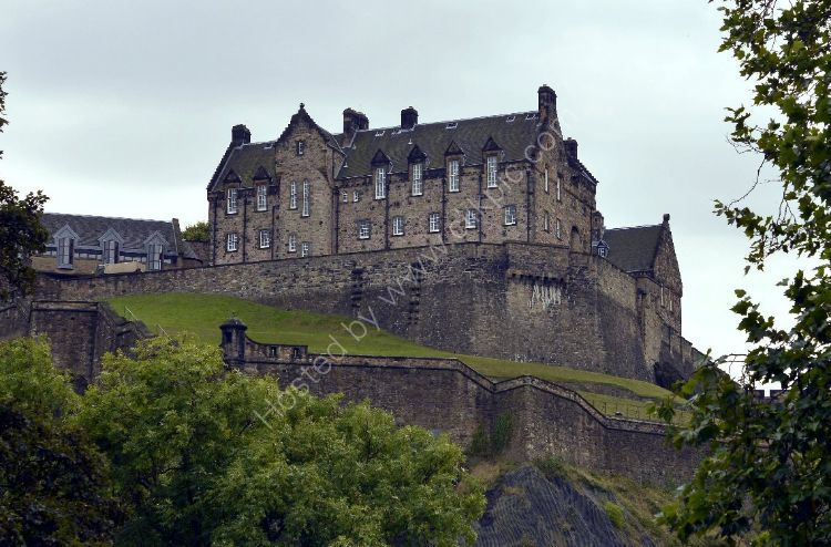 Castle - Edinburgh Castle (from the north)