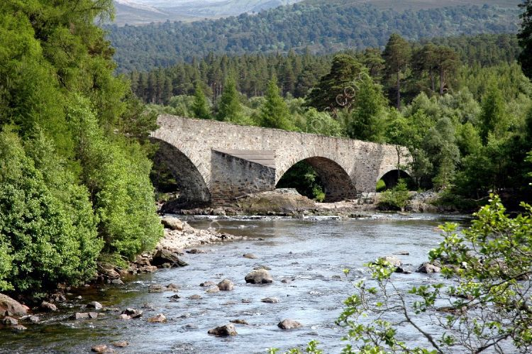 SCOTLAND - Invercauld Bridge over the River Dee near Braemar