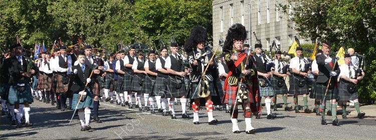 SCOTLAND - Pipe Band Panorama