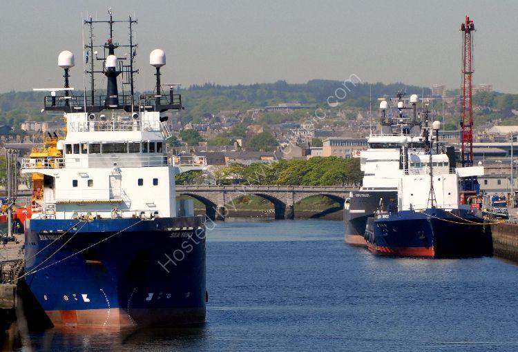 SCOTLAND - River Dee at Aberdeen Harbour