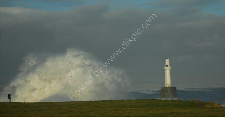 SCOTLAND Breakwater Spray
