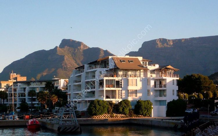 SOUTH AFRICA - Sunshine Flats, Cape Town and Table Mountain