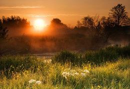 Sunrise on the River Windrush