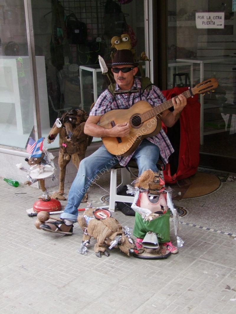 One Man Band, Obispo Street, Havana