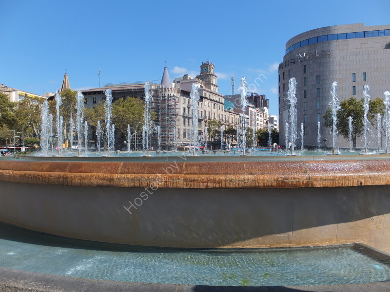 Fountain & Placa Catalyuna