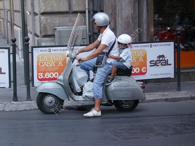 Holding on Tight! Via Roma, Palermo