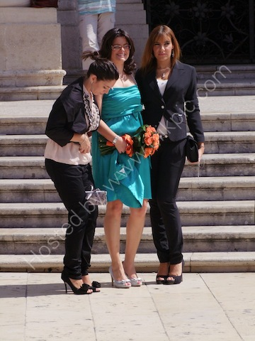 Sicilian Ladies Wedding Photograph, Piazza Duomo, Ortygia Island, Syracusa
