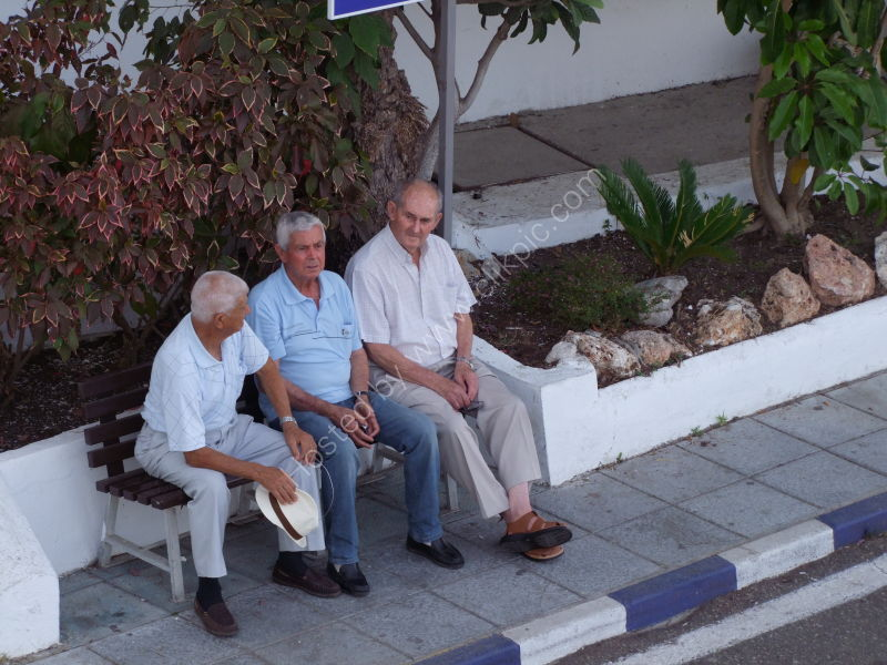 Spaniards taking the shade, Port, Marbella