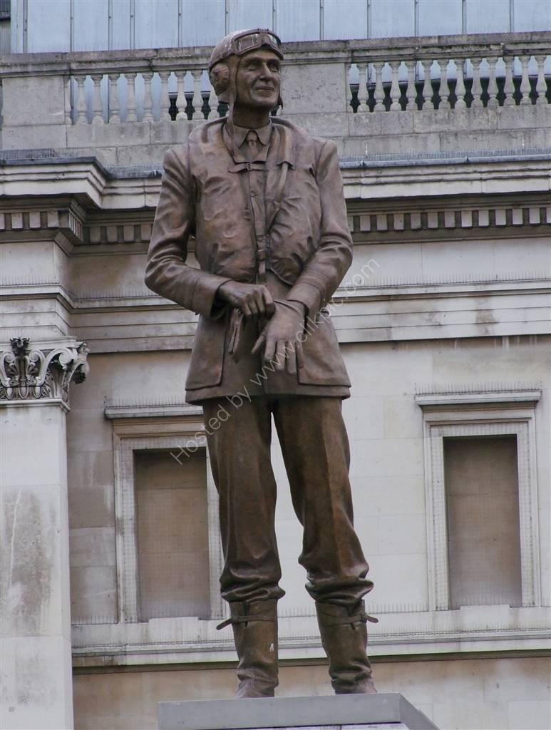 Statue Sir Keith Park