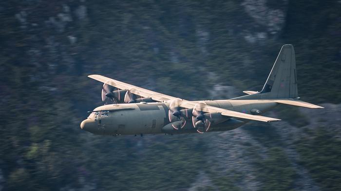 Lockheed C -130  Hercules 002