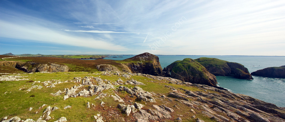 Ramsey Island - View looking South to the Islands of Ynys Gweltog, Cantwr & Bery
